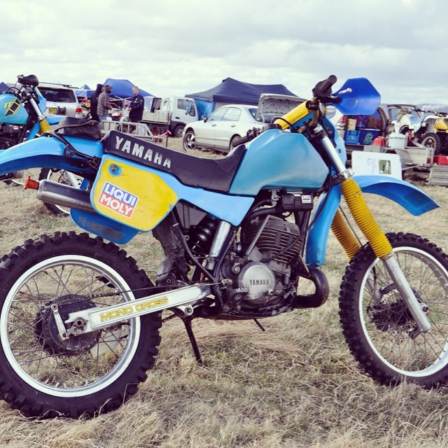 My IT490 at Classic Dirt #Yamaha #it490 #yamahait #yamahait490 #vinduro #vintageenduro #enduro #vintageyamaha follow us @vinduro